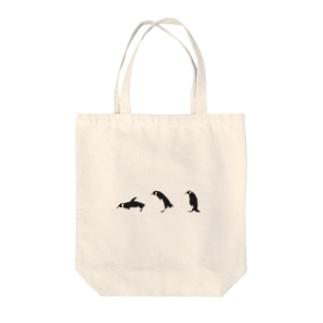 すってんころりんペンギン Tote bags