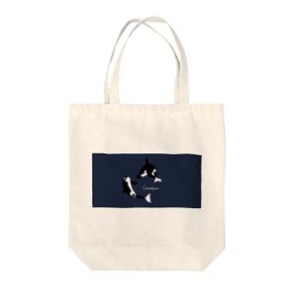 シャチ Tote bags