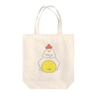 ヘンテコにわとりとひよこ Tote bags