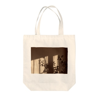 葉っぱの影 Tote bags