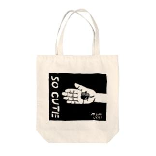 どんぐり Tote bags