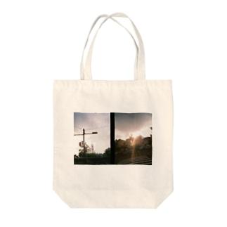 夕暮れの散歩 【プリント】 Tote bags