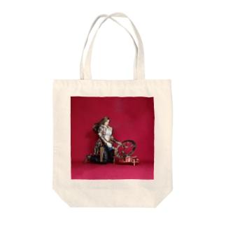 ドール写真:日時計を見る美少女ガンファイター Doll picture: Sundial & girl Tote bags