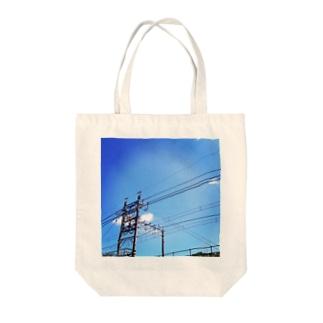 電線 Tote bags