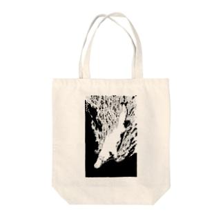 カモノハシ Tote bags