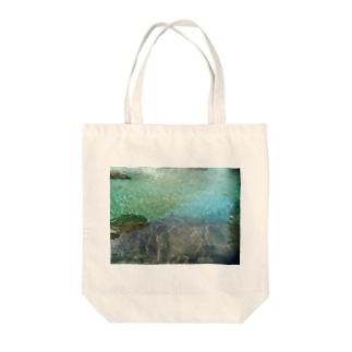 秘境の水鏡プレゼント Tote bags
