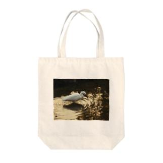 鷺 Tote bags