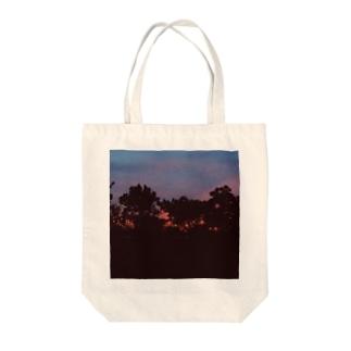 茜空 Tote bags