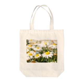 花畑で咲いてた花 Tote bags