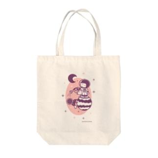 minimum universe shopのAstronauts - Flower Tote bags