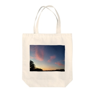 Sunsets from Australia  Tote bags