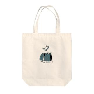 胴上げペンギン Tote bags