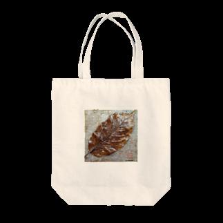 snoflingaの落ち葉 Tote bags