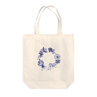 "blue flowers ""wreath"" Tote bags"