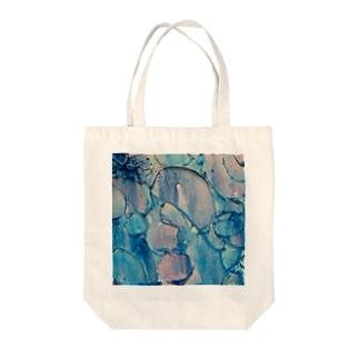リキッド・ラブ 3 Tote bags