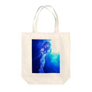 ふわふわクラゲ2 Tote bags
