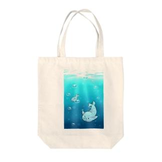 エセ関西弁ゴマフさん(遊泳) Tote bags