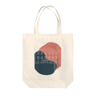 SANKAKU DESIGN STOREの事件の匂いがするペンション。 Tote bags
