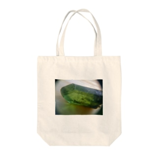 トルマリンじゃないよ。ペリドットだよ。 Tote bags