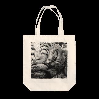 古春一生(Koharu Issey)の微睡みのR(□) Tote bags