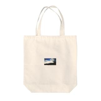 ソ ラ 。 Tote bags