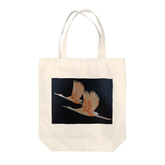 Couple Cranes Tote bags