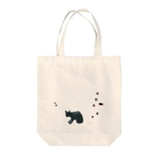 黒猫+あしあと Tote bags