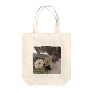 子猫とお花。 Tote bags