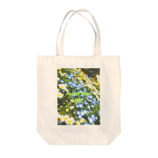 MOMOCHEのFaster than Light Tote bags