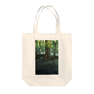 MOORのThrough Green Tote bags