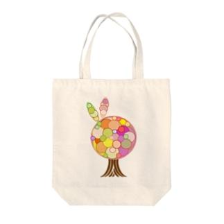 突発性tree Tote bags