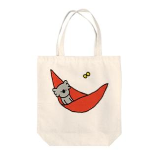のんびりハンモック Tote bags