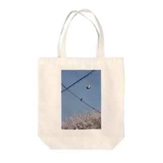 春のはとさん Tote bags
