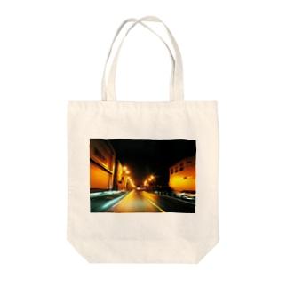 サイレントタウン Tote bags