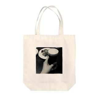 カモシ女ちゃん Tote bags