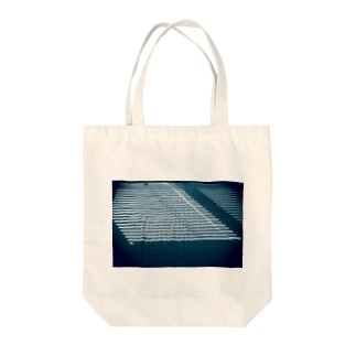 Summer Daylight Coming other ver Tote bags