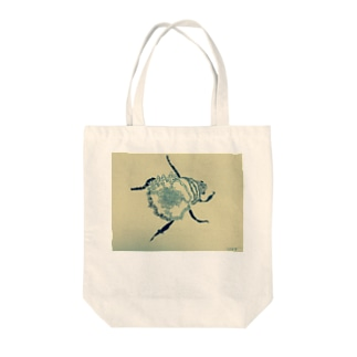 A beatle Tote bags