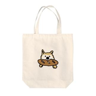 パンをくわえる犬② Tote bags