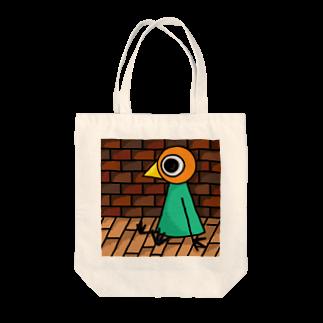 トリさんの休日の涼むトリさん Tote bags
