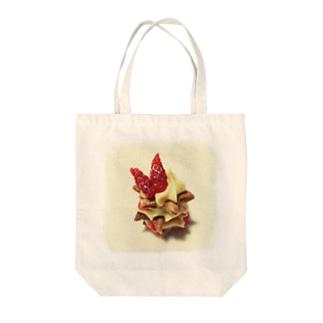 苺のパイ Tote bags