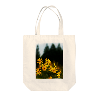 hiroki-naraの菊芋と樹木 DATA_P_139 tree Tote bags