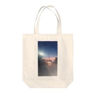朝焼け Tote bags