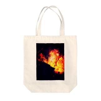 燃ゆる宇宙 Tote bags