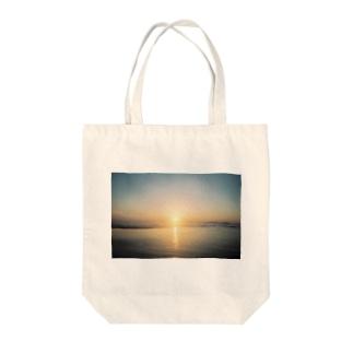 あの日の夢をなぞる Tote bags