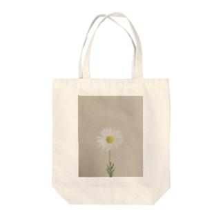 sakura f studioのマーガレット Tote bags