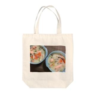鮭のクリームシチュー Tote bags