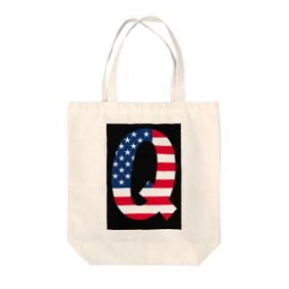 Q Tote bags