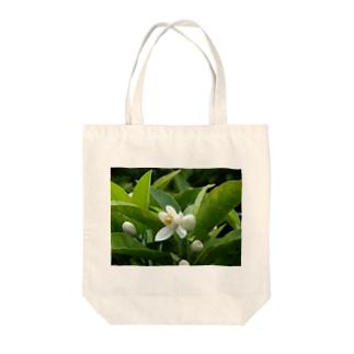 日本の花:ミカンの花 Japanese flowers: Mikan (Orange) Tote bags