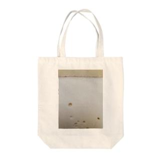 チーズの穴 Tote bags