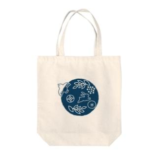 鳥とうさぎ Tote bags